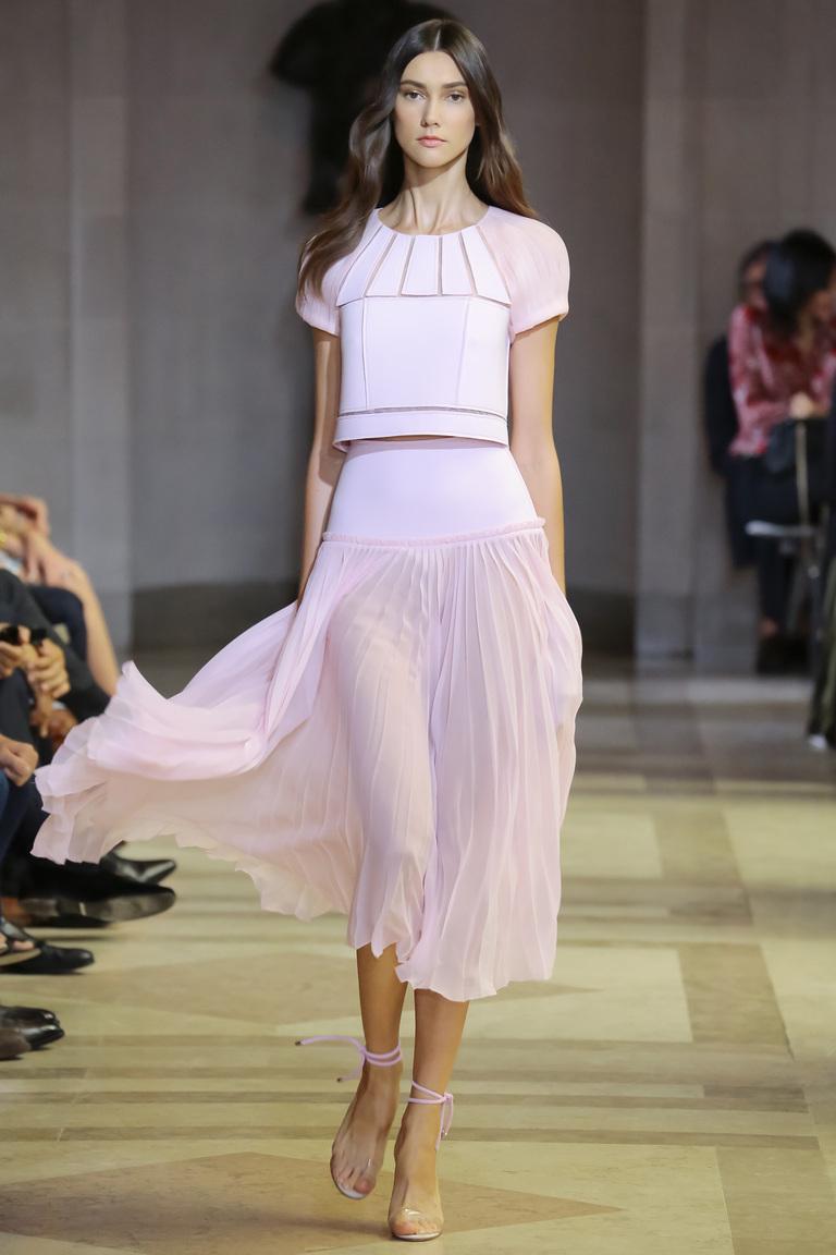 Нежная розовая модная длинная юбка 2016 – фото коллекция Carolina Herrera