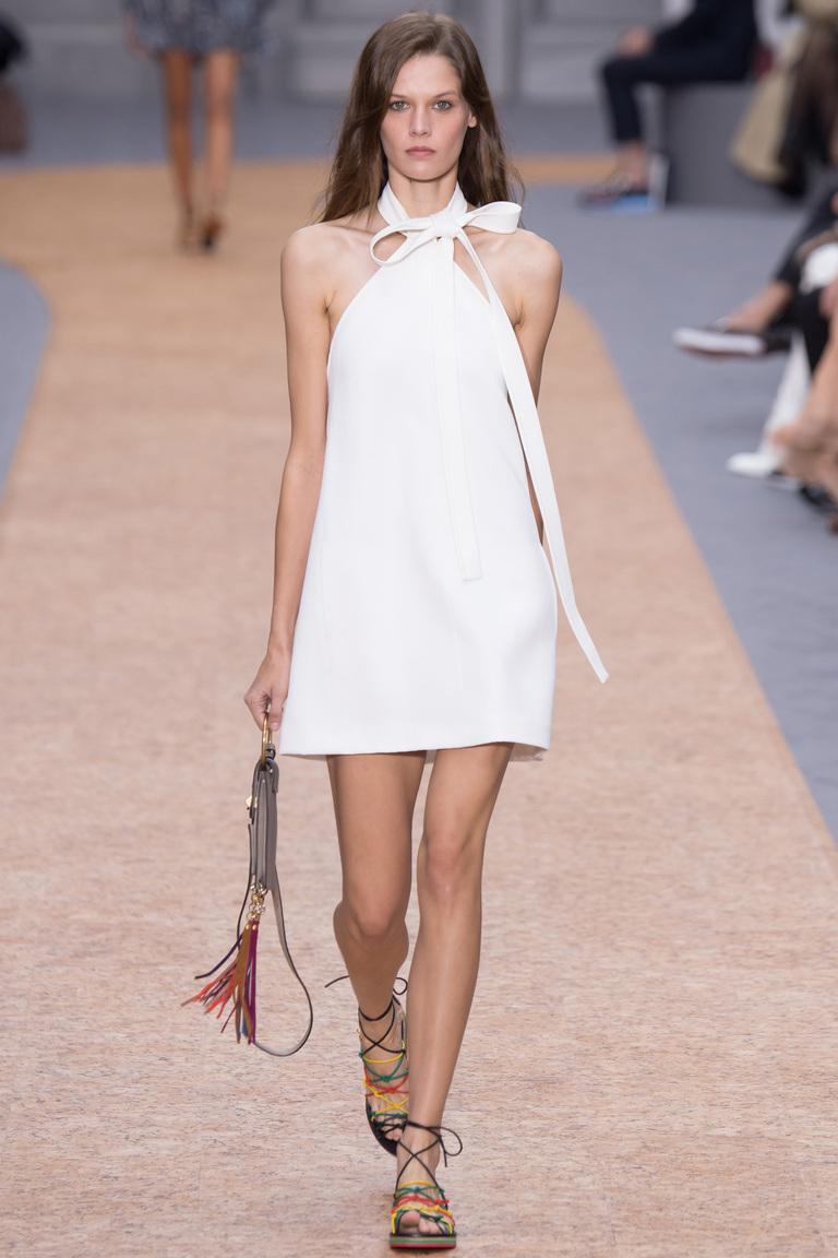 Длинное модное белое платье 2016 – фото новинки в коллекции Chloé