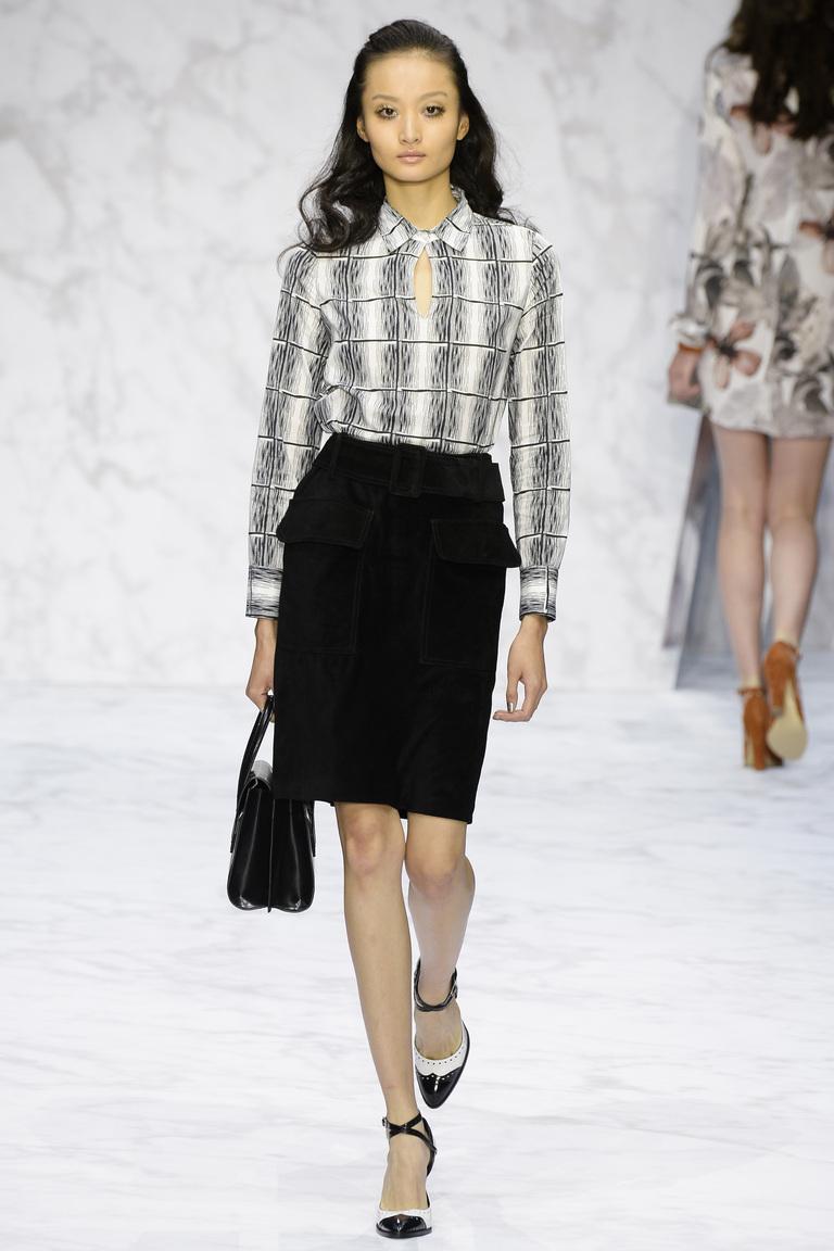 Модная юбка карандаш 2016 с декором карманами – фото новинка от Daks
