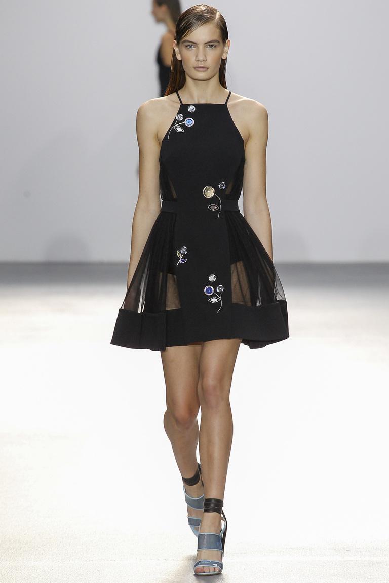 Модное короткое платье 2016 с прозрачными вставками – фото новинки от David Koma