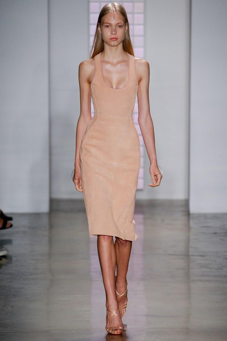 Бежевое модное короткое платье 2016 – фото новинки Dion Lee
