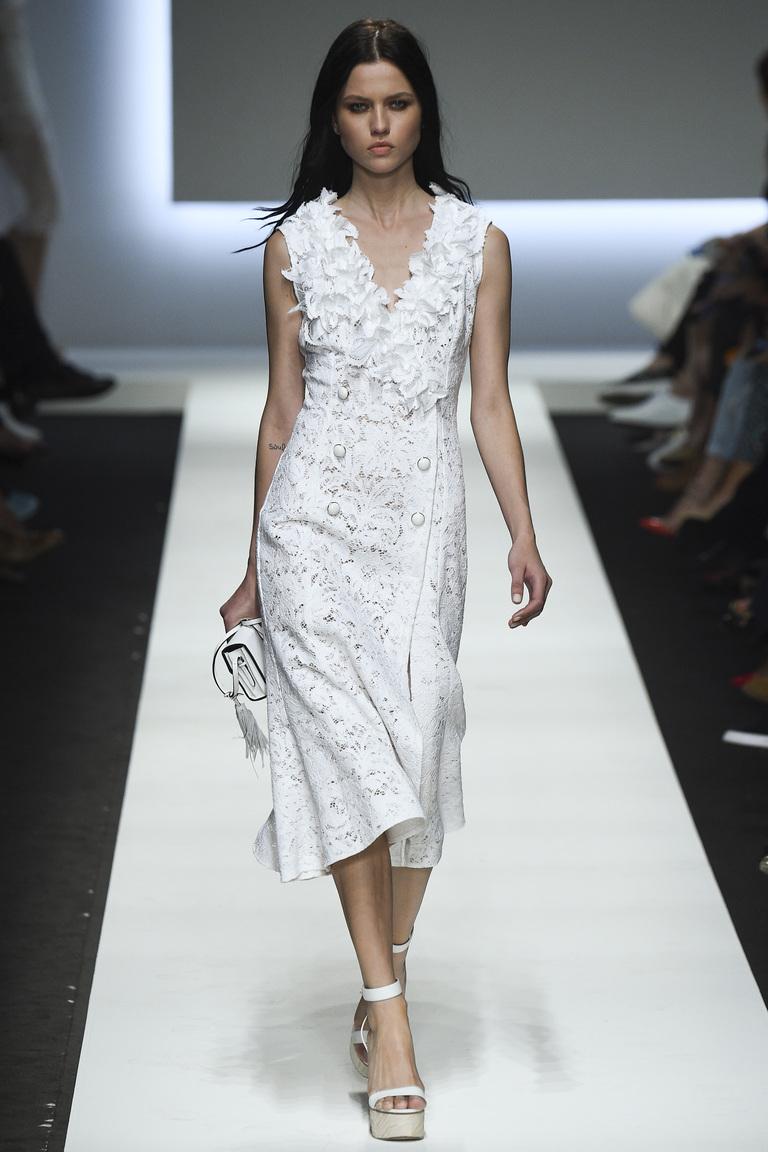 Фото модного белого платья 2016 – новинка в коллекции Ermanno Scervino