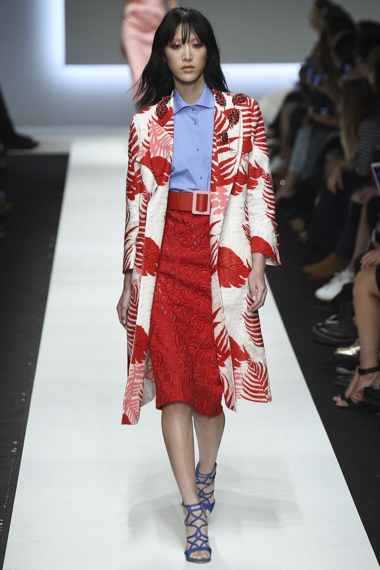 Красная модная юбка карандаш 2016 – фото новинка Ermanno Scervino