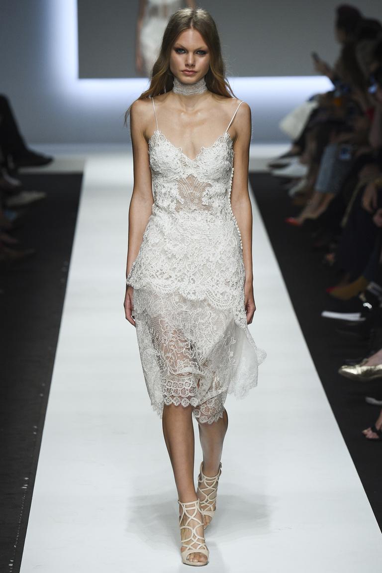 Короткое кружевное модное белое платье 2016 – фото новинки от Ermanno Scervino