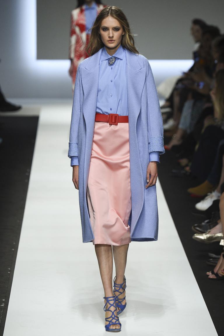 Нежно-розовая модная юбка фасона карандаш – фото коллекции Ermanno Scervino