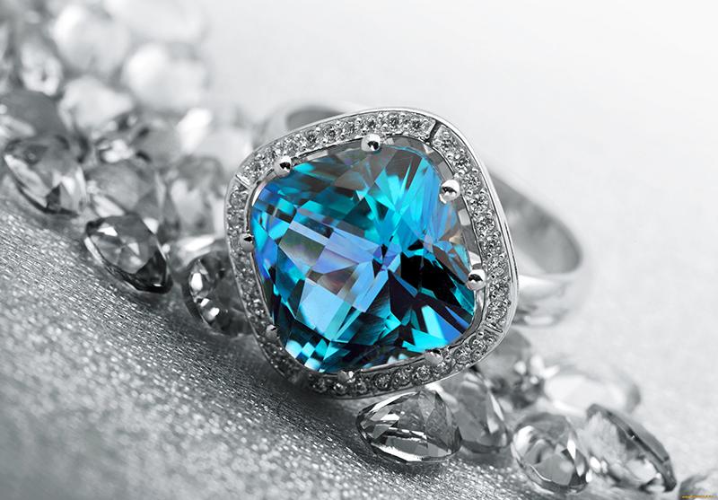 Фото украшений с голубым топазом