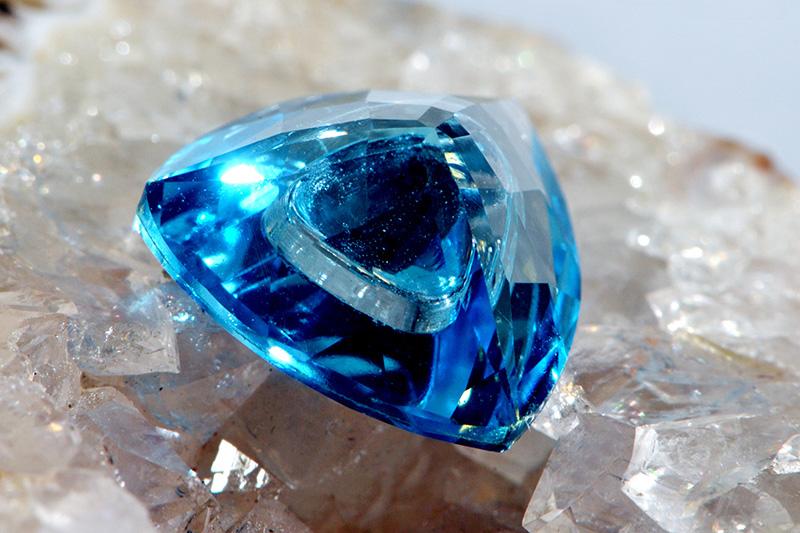 Синий Лондон топаз