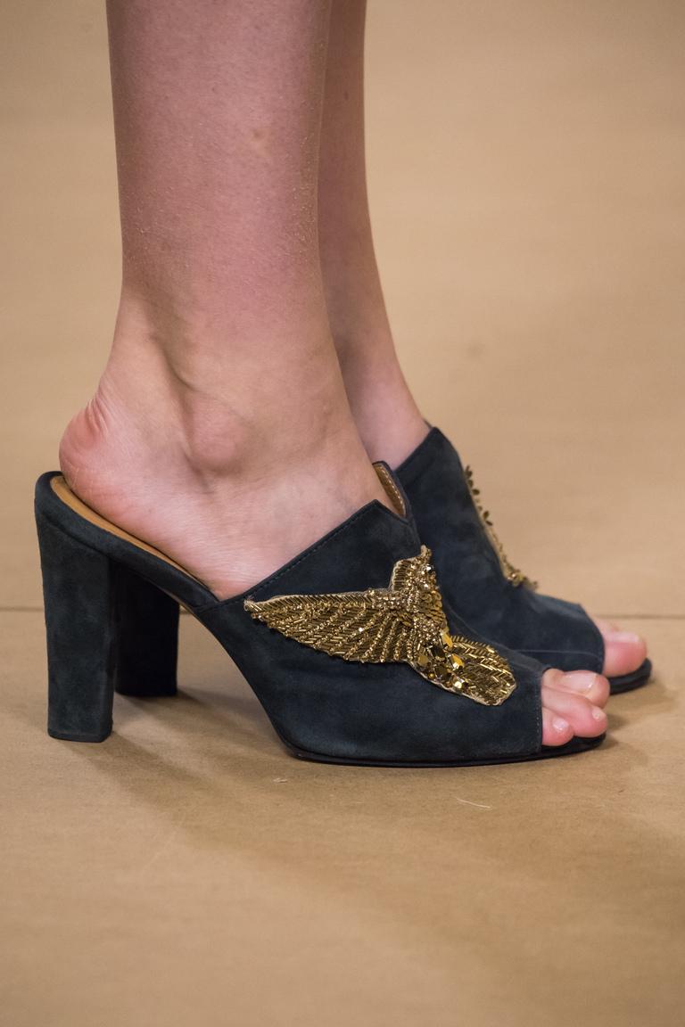 Модная обувь 2016 – босоножки с крупным каблуком – фото новинка от A La Russe Anastasia Romantsova