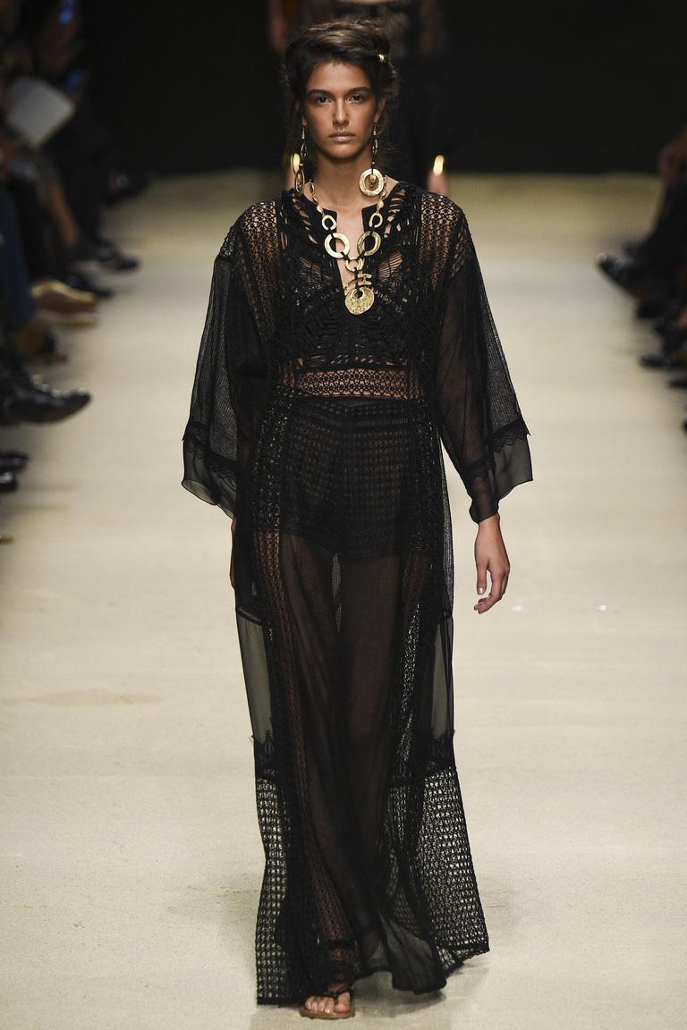 Модное длинное черное платье 2016 – фото новинки от Alberta Ferretti