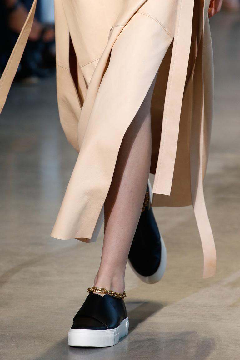 Кеды с цепочкой – фото новинка модной обуви 2016 от Calvin Klein