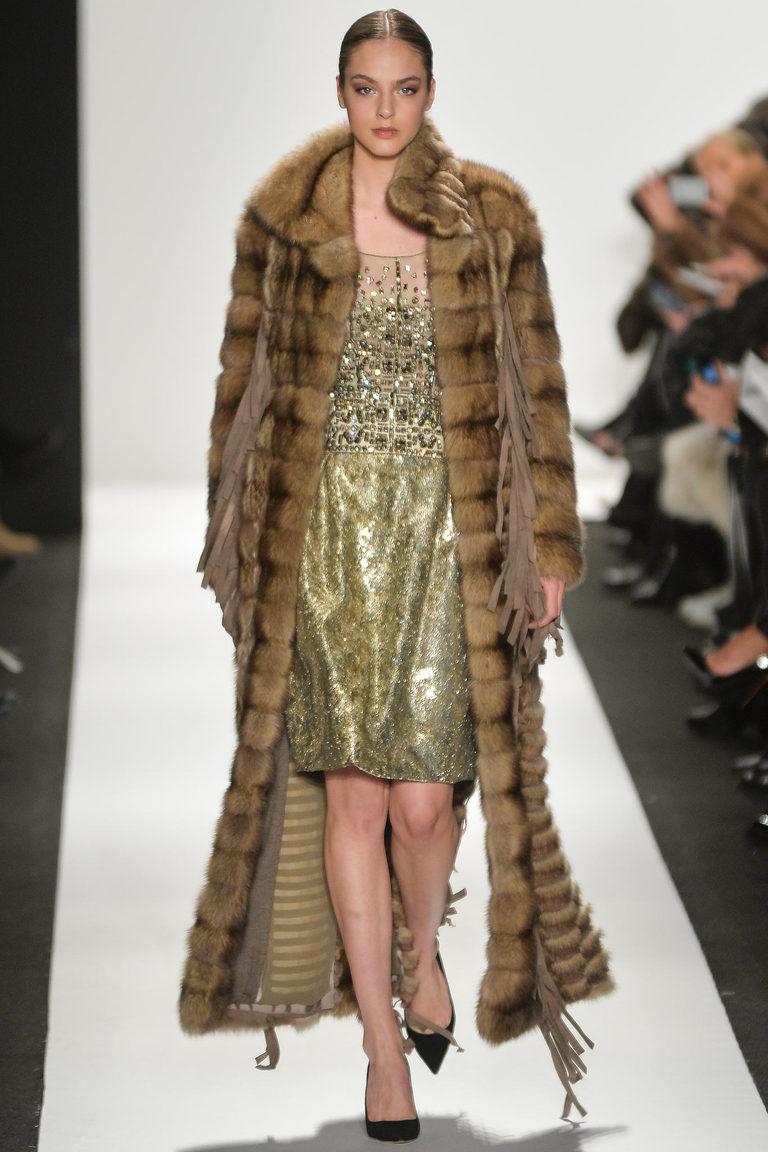 Коричневая длинная модная шуба 2016 – фото новинки в коллекции Dennis Basso