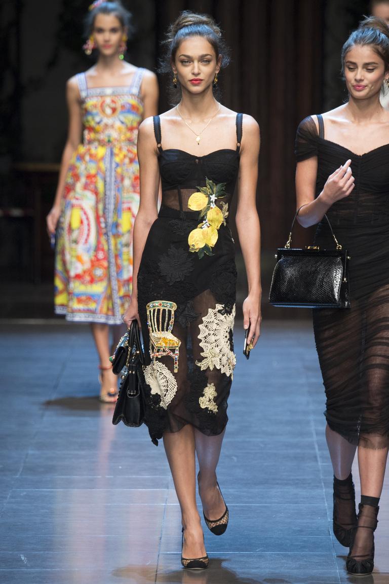 Кружевное черное модное платье 2016 – фото новинка от Dolce & Gabbana
