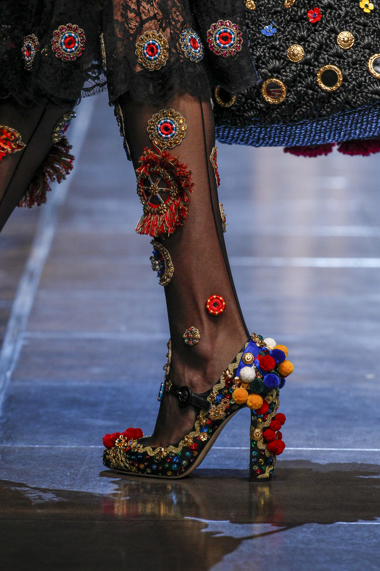 Роскошная модная обувь 2016 – фото новинка в коллекции Dolce & Gabbana