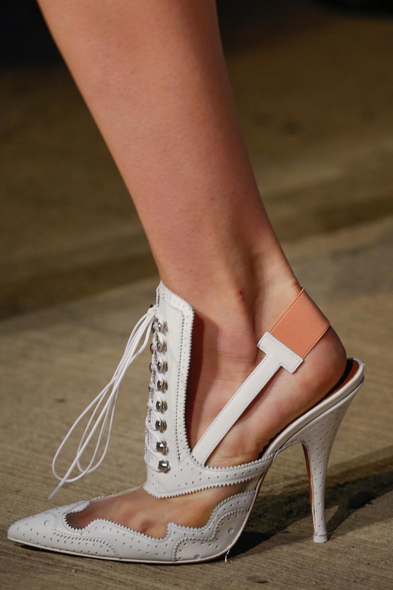 Модная обувь 2016 с ремешками – фото новинка от Givenchy