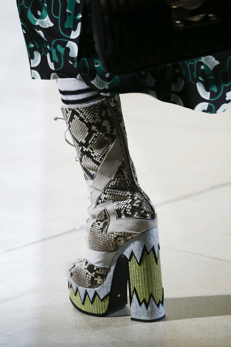 Модная обувь 2016 с крупным каблуком – фото новинка в коллекции Miu Miu