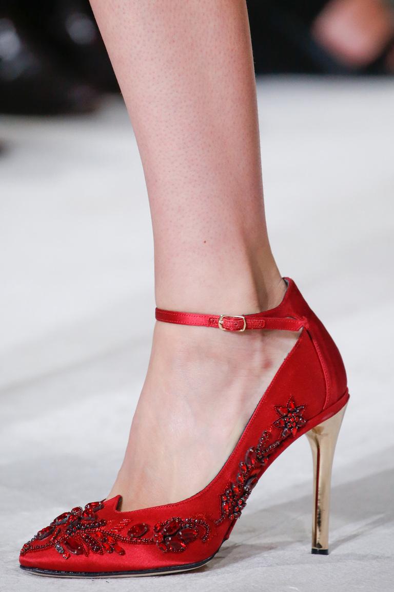 Красные туфли лодочки 2016 – фото новинки от Oscar de la Renta