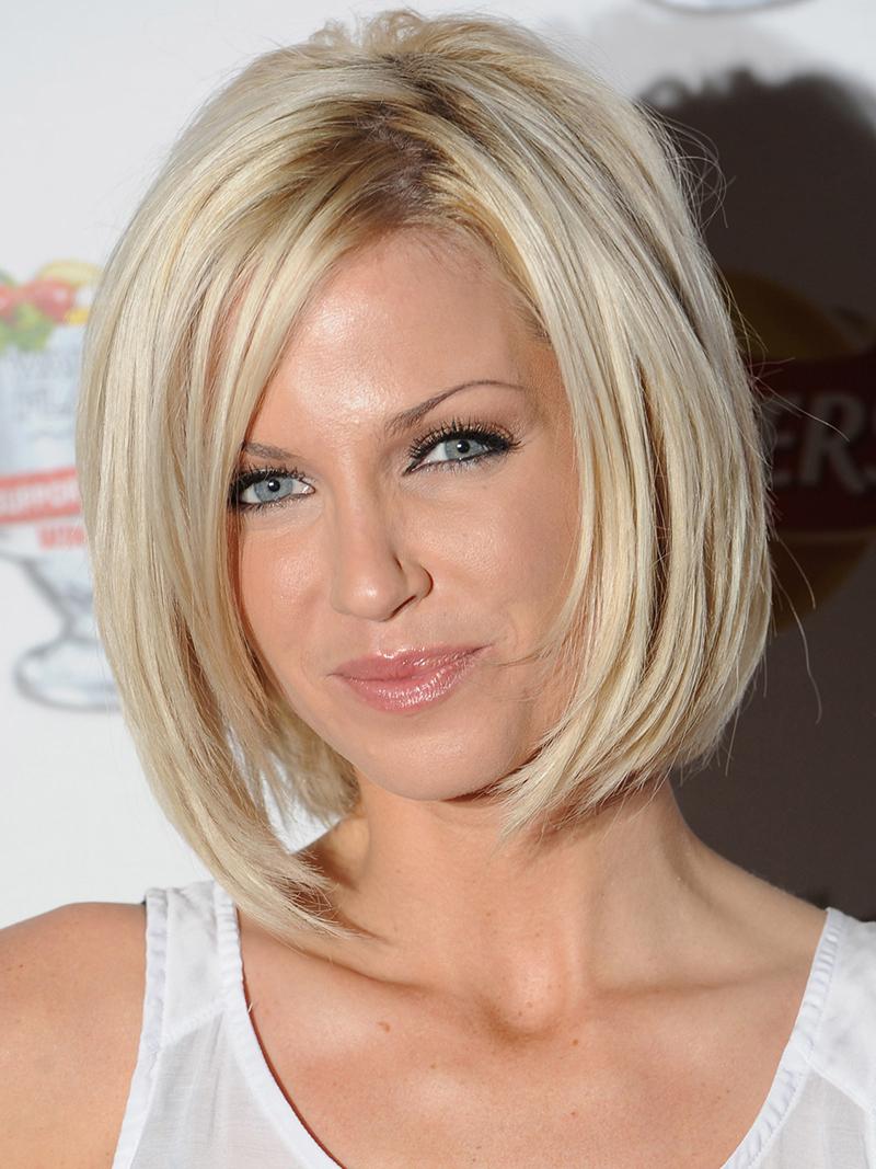 Фото блондинок в одежде сзади 26 фотография
