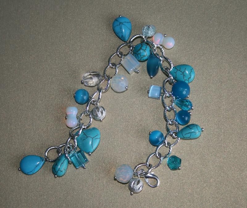 Голубой агат-браслет