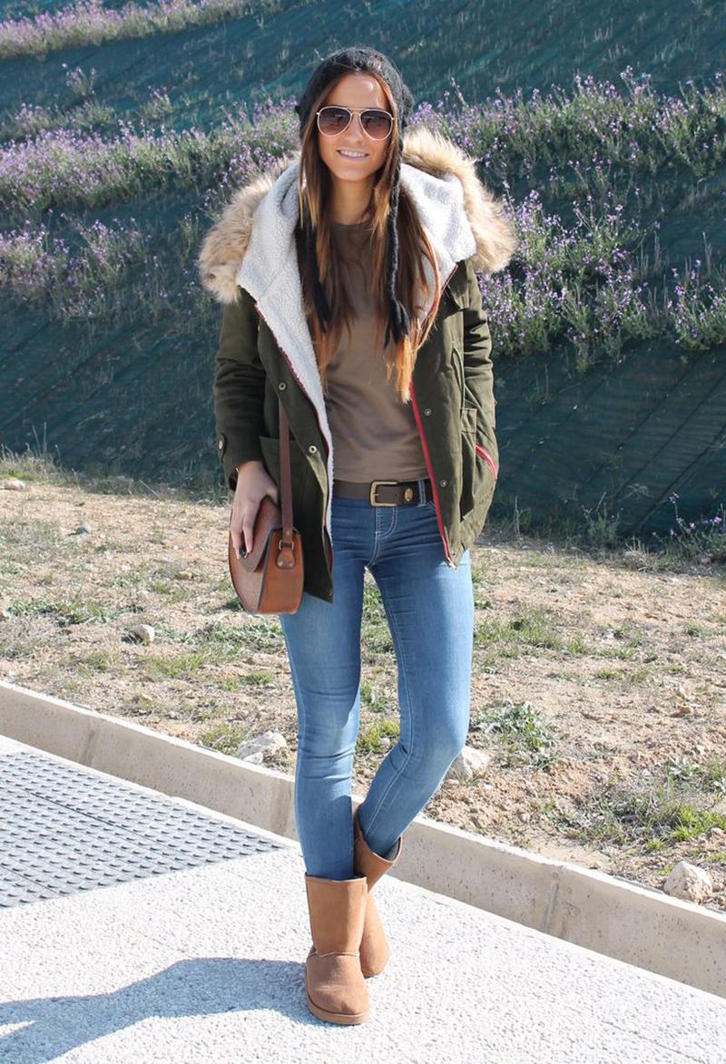 С чем носить угги? Фото – угги с курткой и джинсами