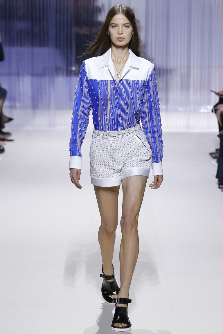 Бело-синяя модная блузка 2016 – фото новинки от Carven