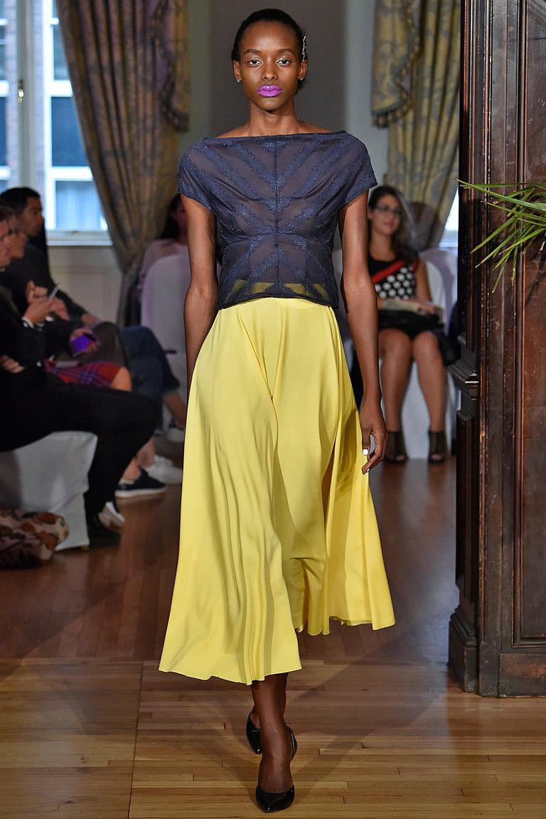 Полупрозрачная модная блузка 2016 – фото новинка от Emilio de la Morena