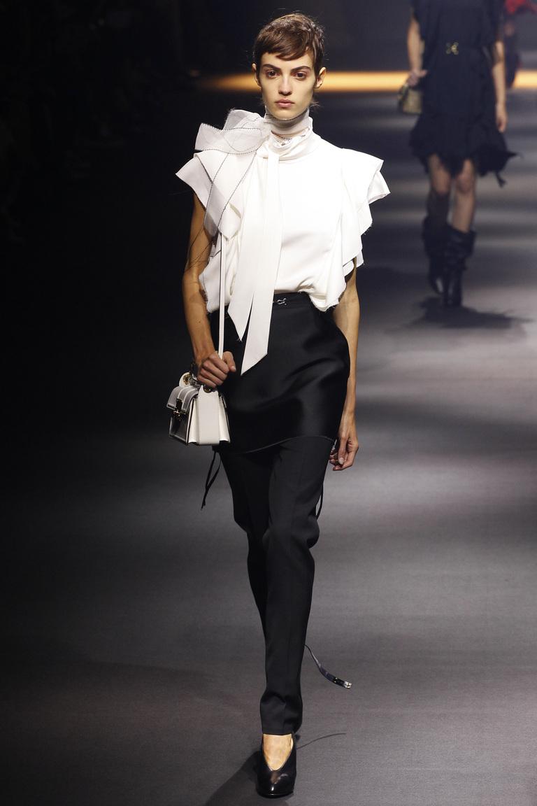 Фото модной блузки 2016 необычного фасона – коллекция Lanvin
