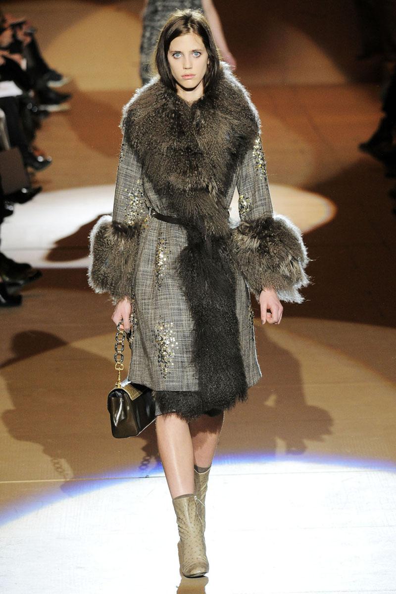Пальто с меховым воротником фото новинки сезона