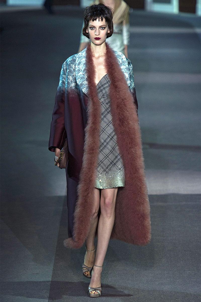 Фото новинка сезона меховое пальто
