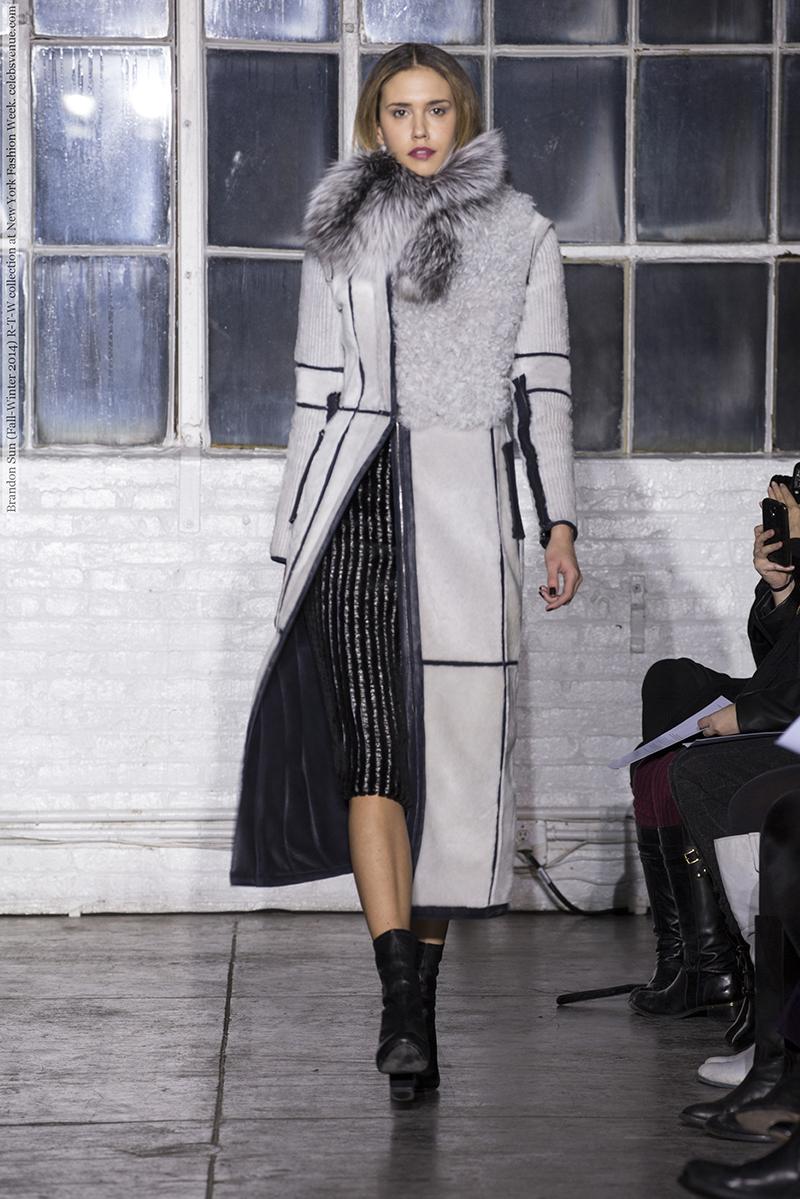 Модное меховое пальто фото новинки сезона