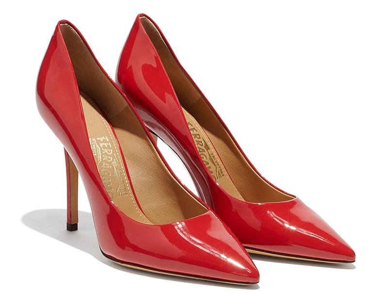 Красные туфли лодочки – фото новинки от Salvatore Ferragamo