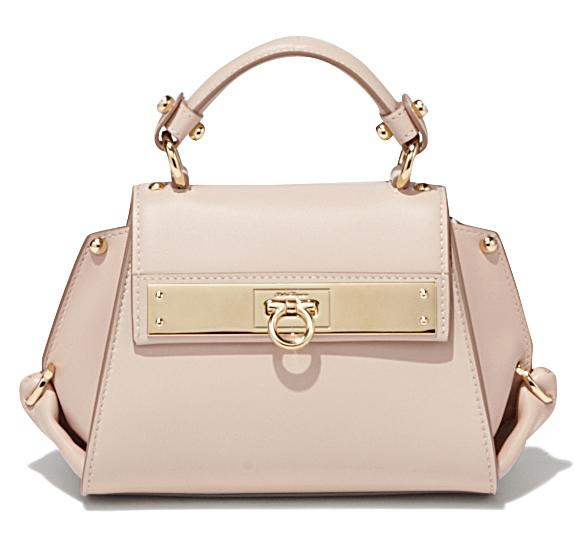 Маленькая модная сумочка - фото новинки в коллекции Salvatore Ferragamo