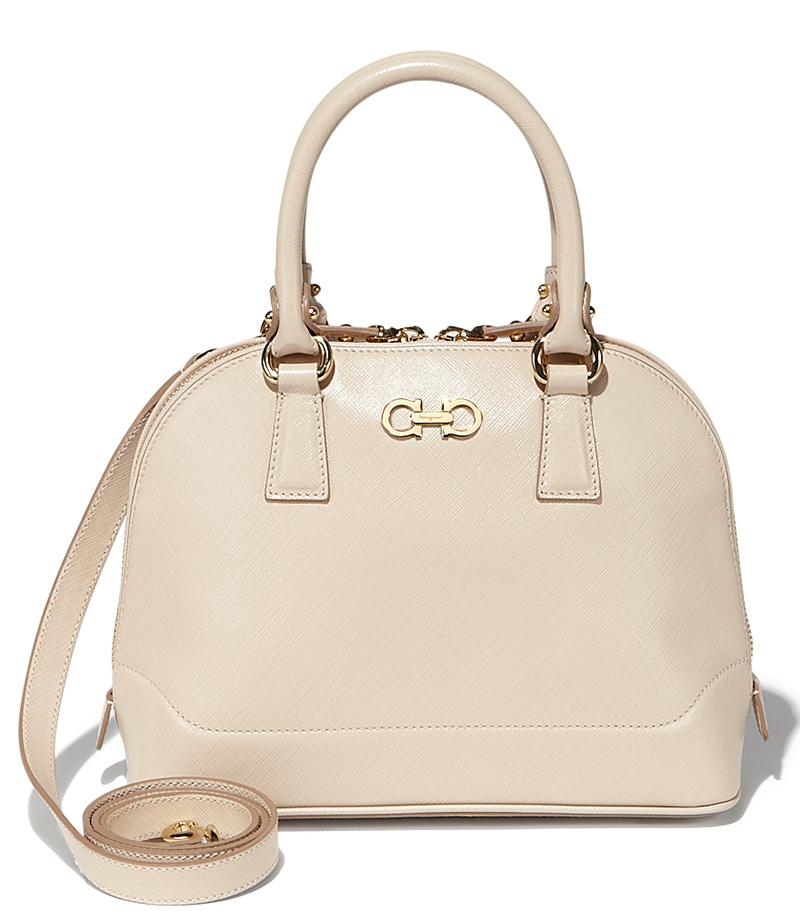 Белая модная сумка – фото новинки от Salvatore Ferragamo