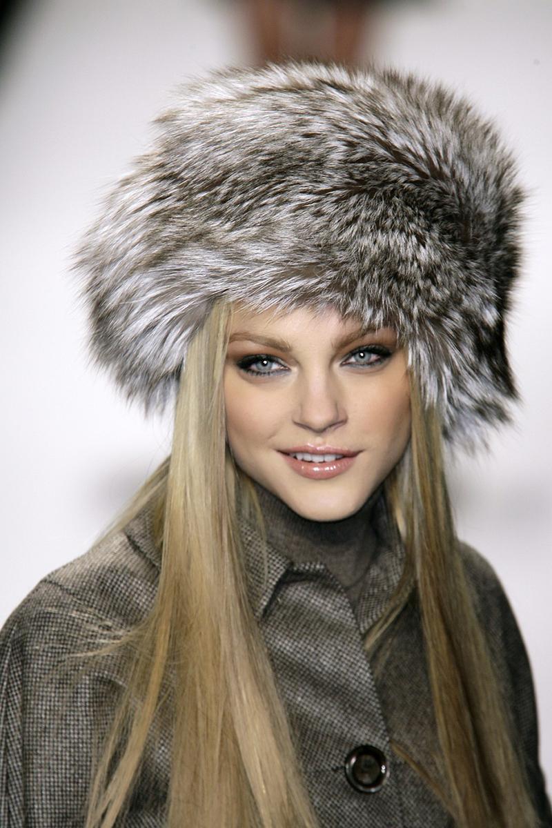 Норковая модная шапка – фото новинки сезона
