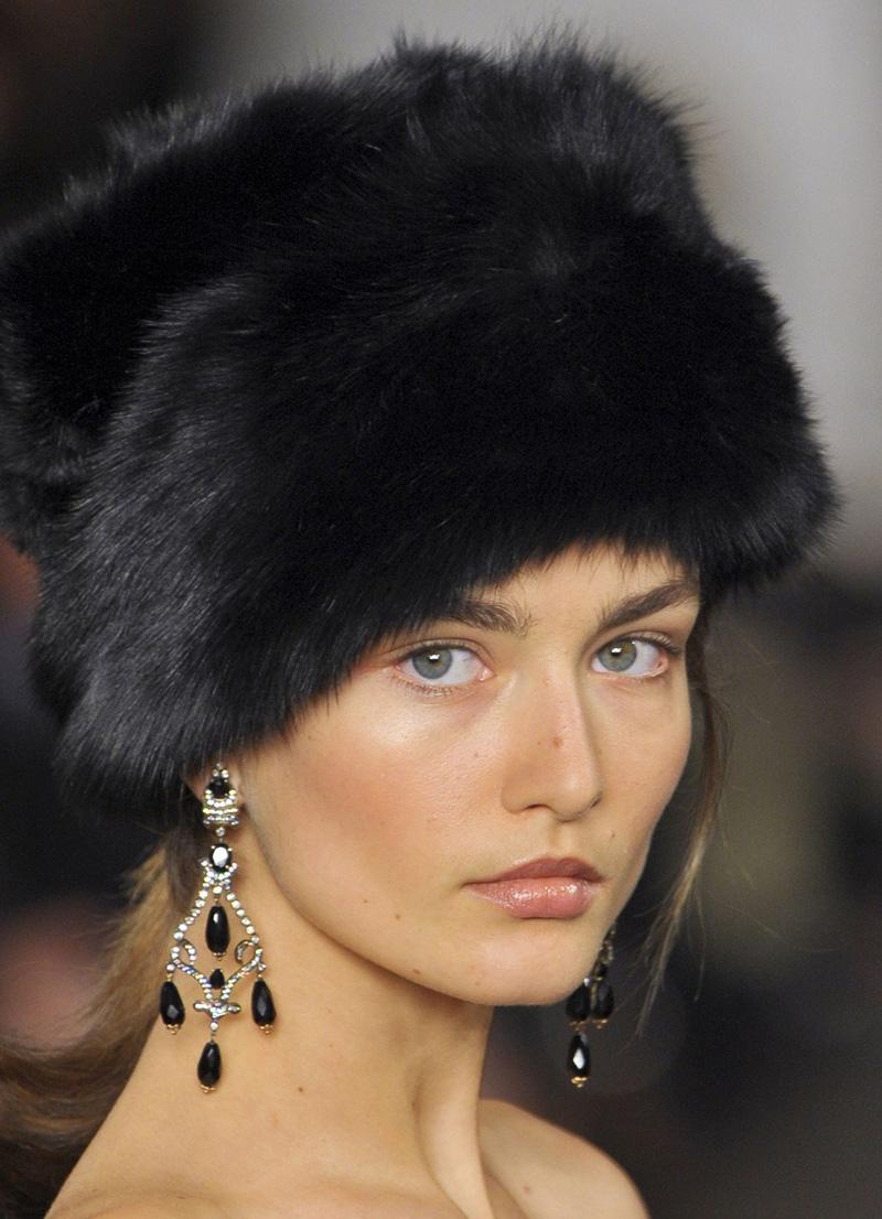 Фото новинки: женские норковые шапки