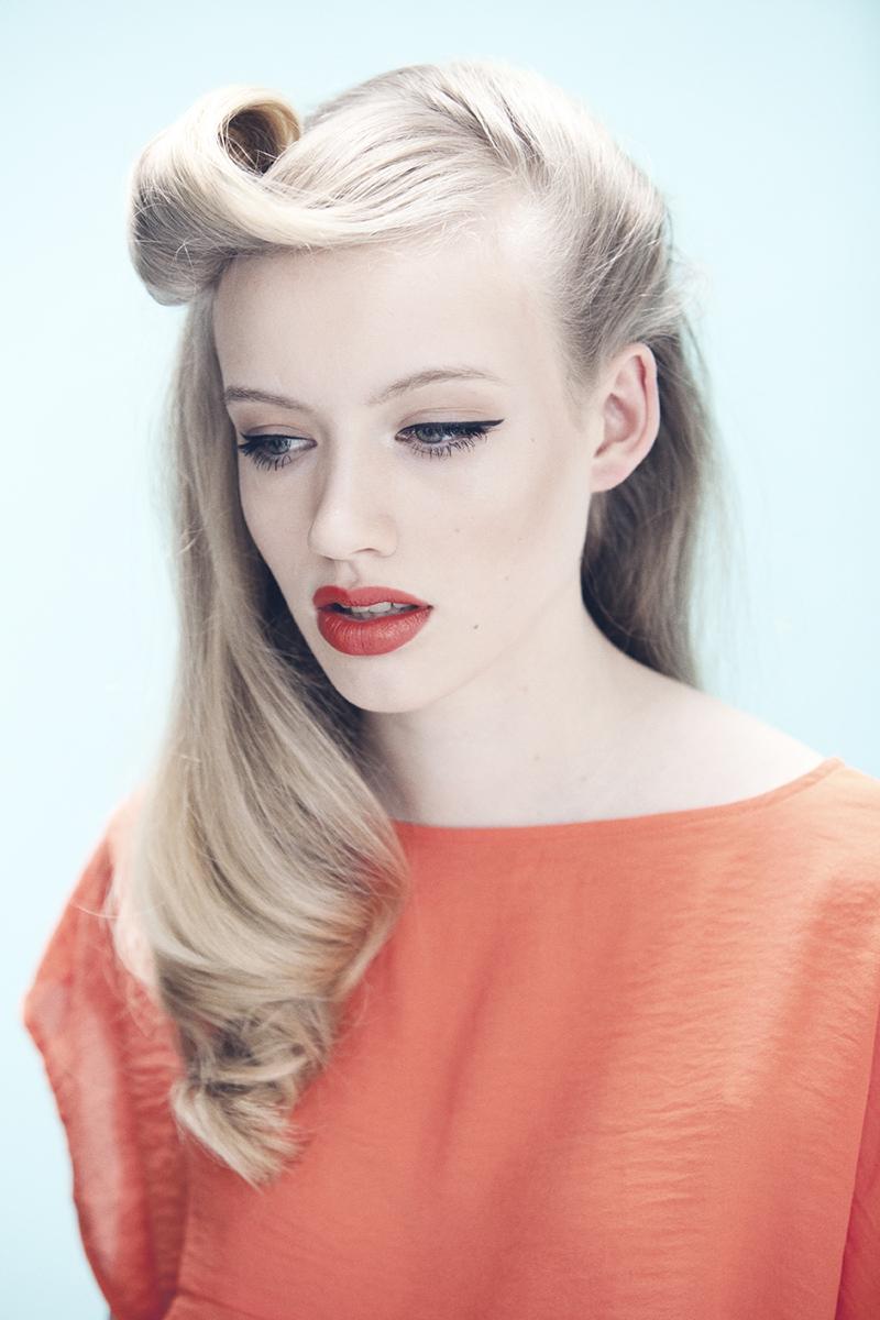 Модная прическа 2016 с волнистыми волосами