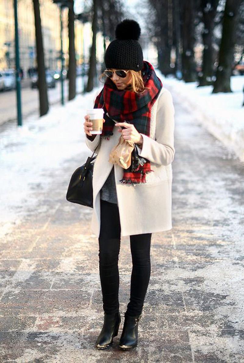 Сочетание пальто с шарфом – фото новинки сезона