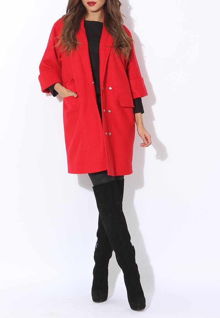 Модное красное пальто оверсайз Tutto Bene, средняя цена 10290 руб