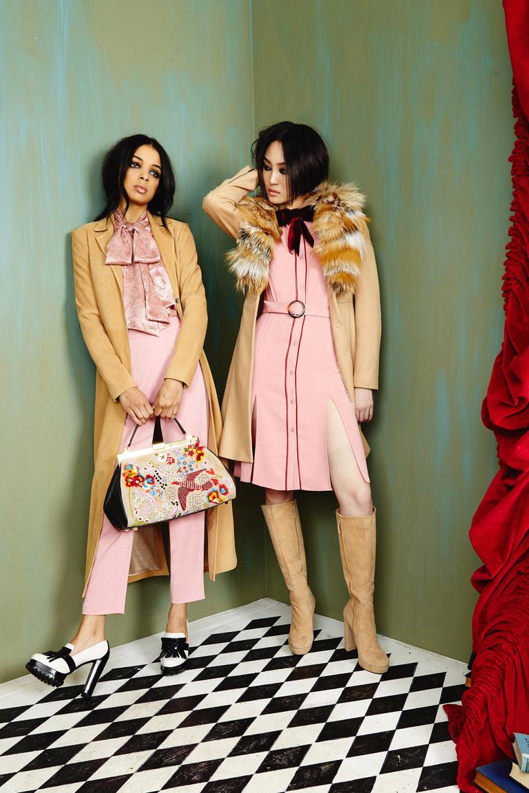 Показ Alice+Olivia осень-зима 2016-2017 на Неделе моды в Нью-Йорке