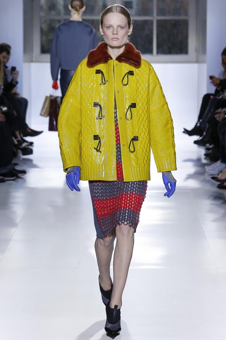 Модная длинная куртка – фото новинка в коллекции Balenciaga