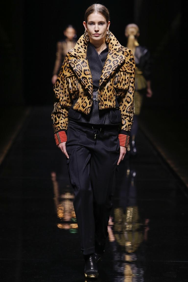 Модная куртка укороченная – фото новинки и тренды от Balmain