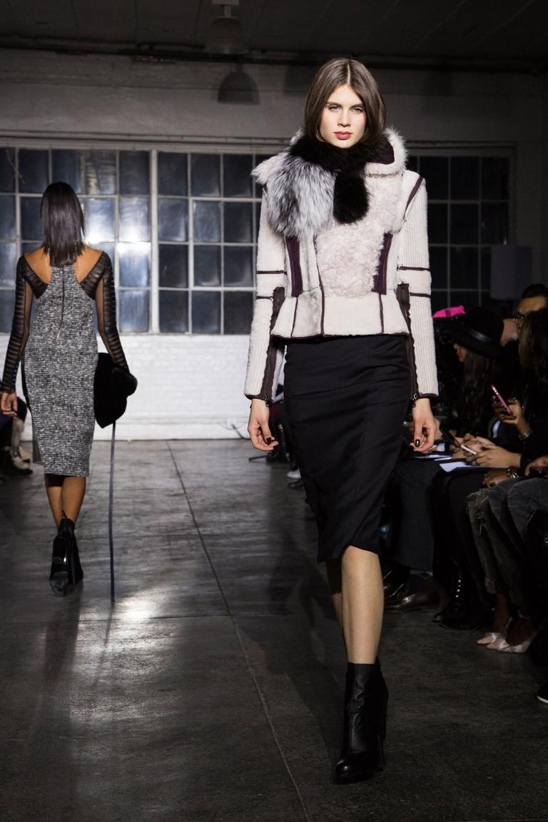 Модная куртка с меховым воротником – фото новинки от Brandon Sun