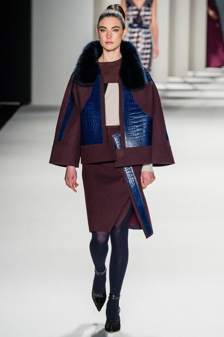 Модная куртка трапеция – фото новинка в коллекции Carolina Herrera