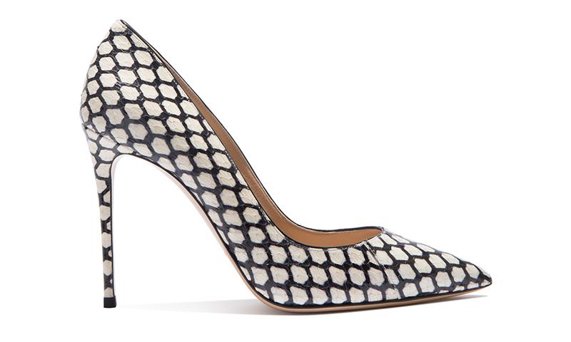 Оригинальный дизайн и необычный узор – составляющие новой коллекции обуви Casadei