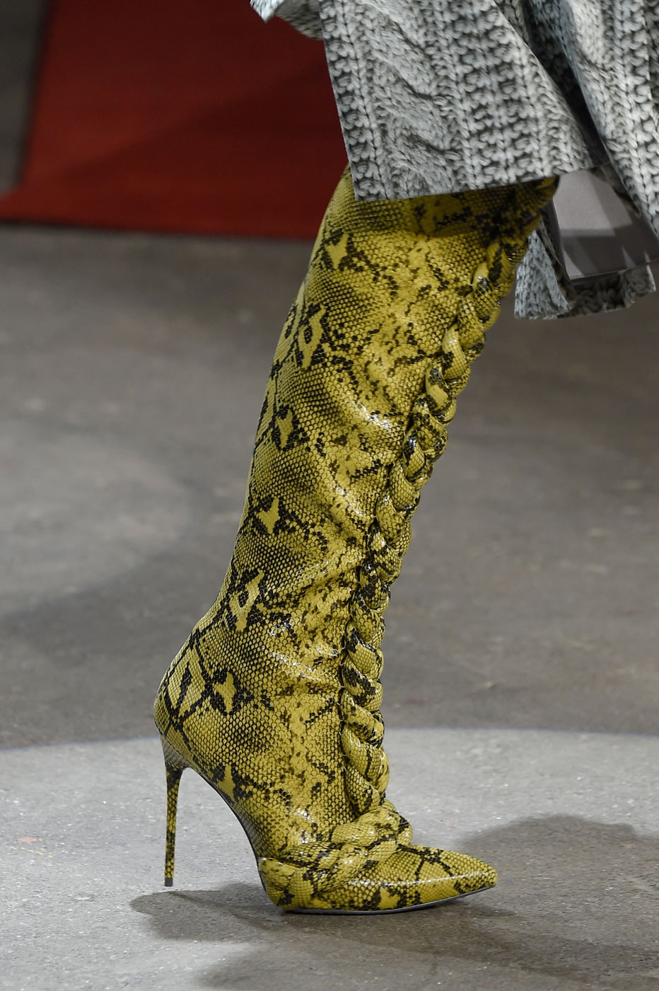 Модные сапоги осень-зима 2016-2017 – коллекция Christian Siriano