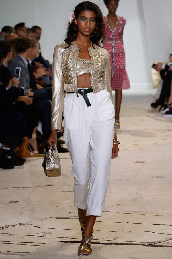 Белые модные укороченные брюки сезона весна и лето 2016 Diane von Furstenberg
