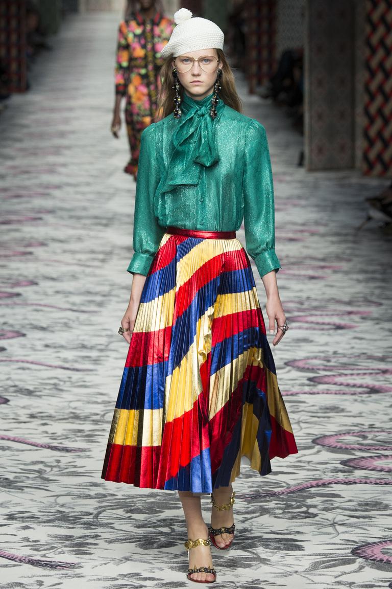 Фото модной юбки в полоску сезона весна-лето 206 – коллекция Gucci