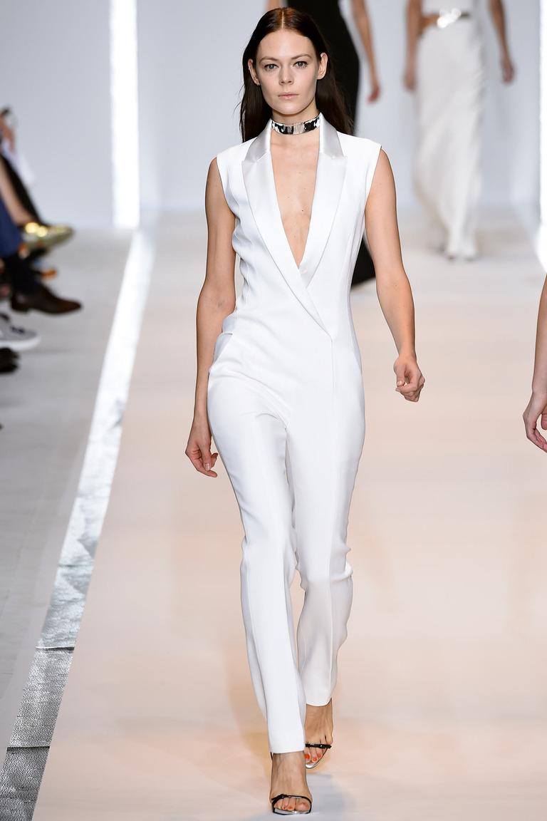 Белый модный комбинезон в классическом стиле – фото новинка в коллекции Mugler