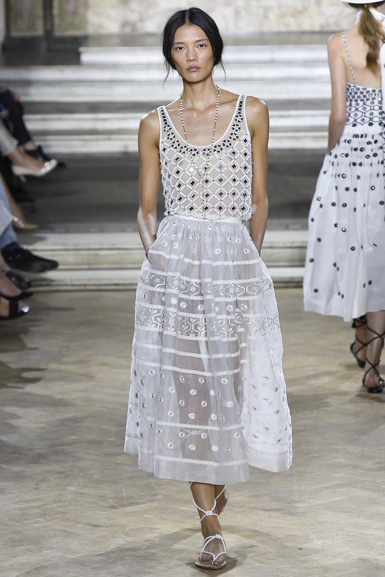 Модная юбка весна-лето 2016 – само нежность и очарование в коллекции Temperley London