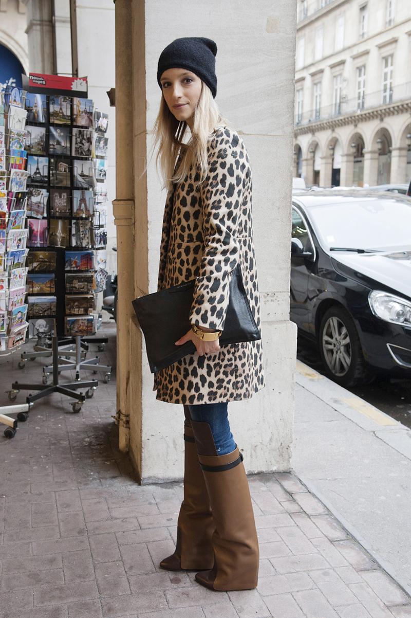 Выбирайте актуальную леопардовую расцветку для драпового пальто