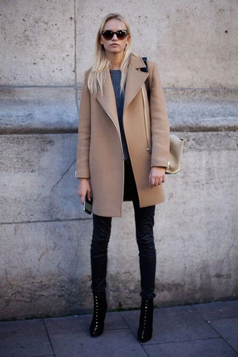 Бежевое классическое драповое пальто – универсальная модель пальто